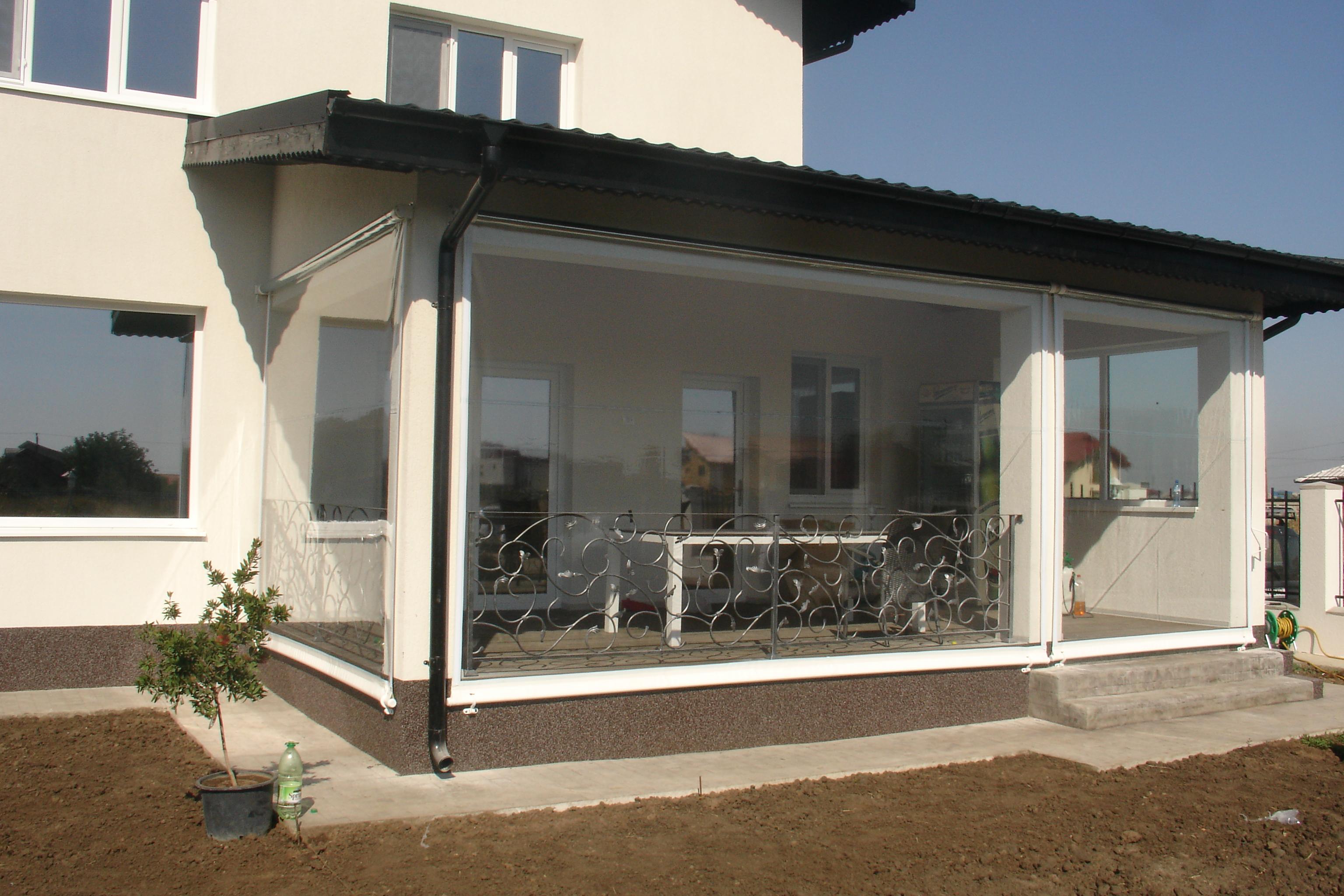 Inchidere terase si foisoare cu folie transparenta axa for Case cu terase